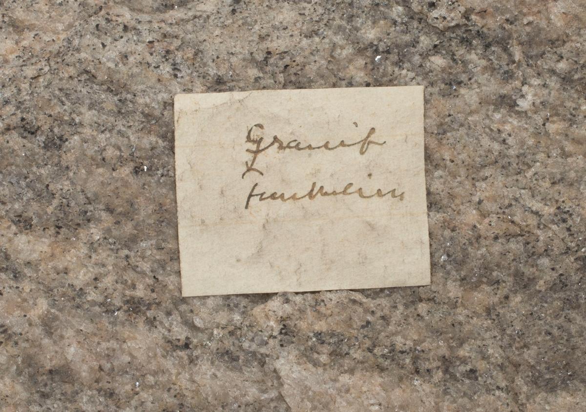 Etikett på prøve: Granit Funkelien