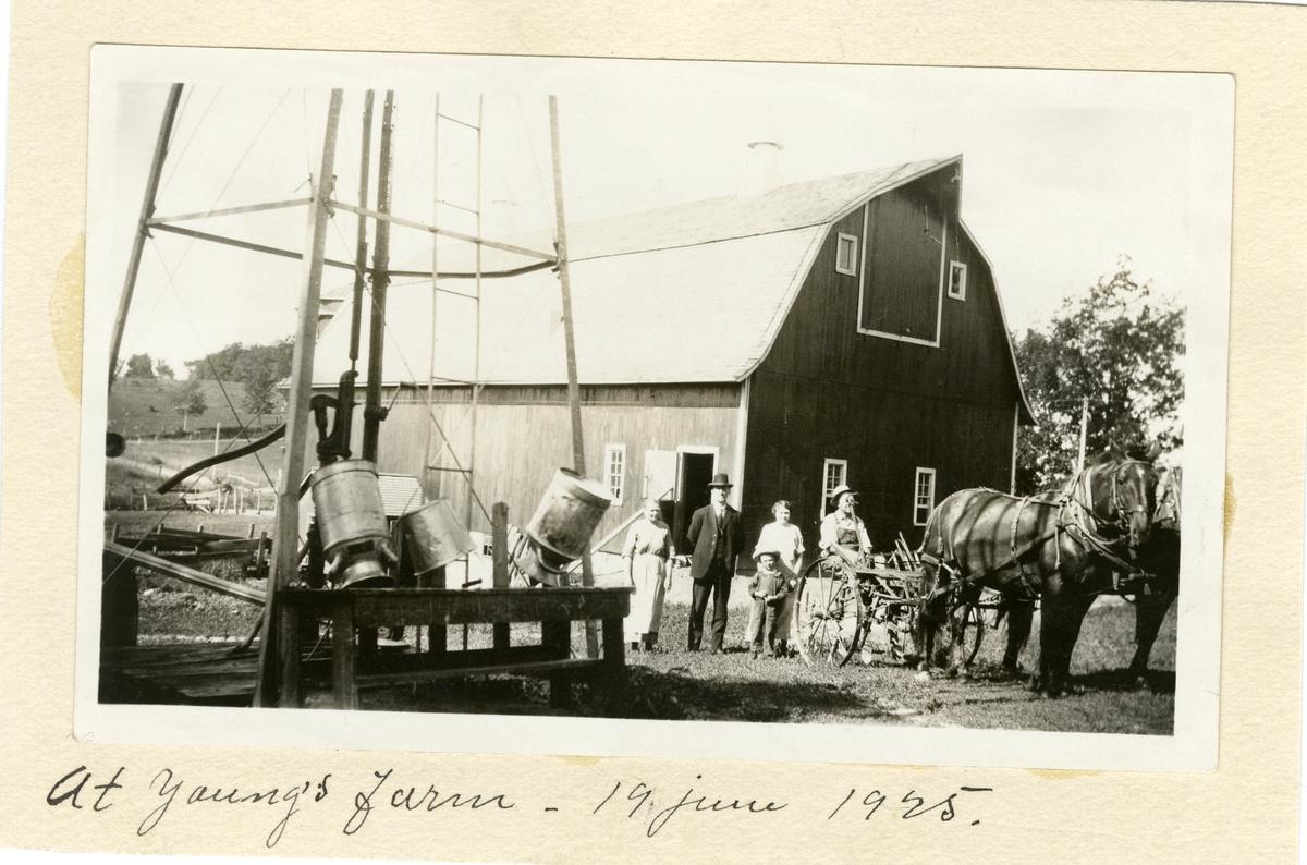 Bildet viser farmen til Young-familien i Amerika, 19. juni 1925.