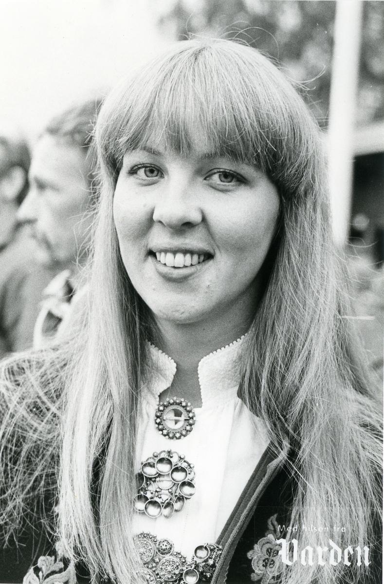 Dyrskuvertinna Randi Bjåland.