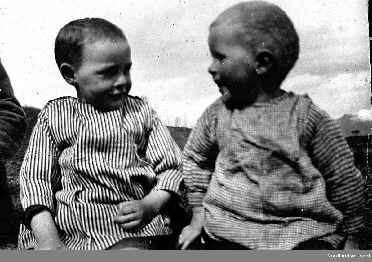 Kjelling. Fra høyre: Arild Olsen og Peder Håkonsen.