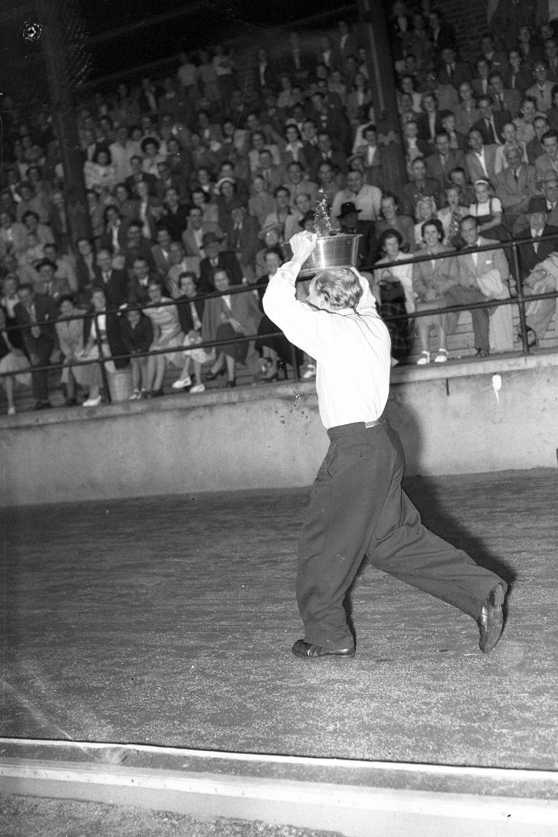 Skämttävlingen på Strömvallen. Den 10 augusti 1949