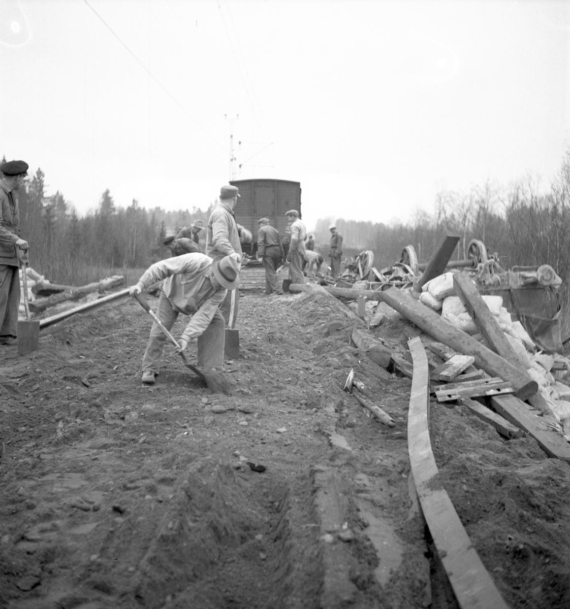 Tågolycka på linjen Gävle-Skutskär. Den 26 november 1949