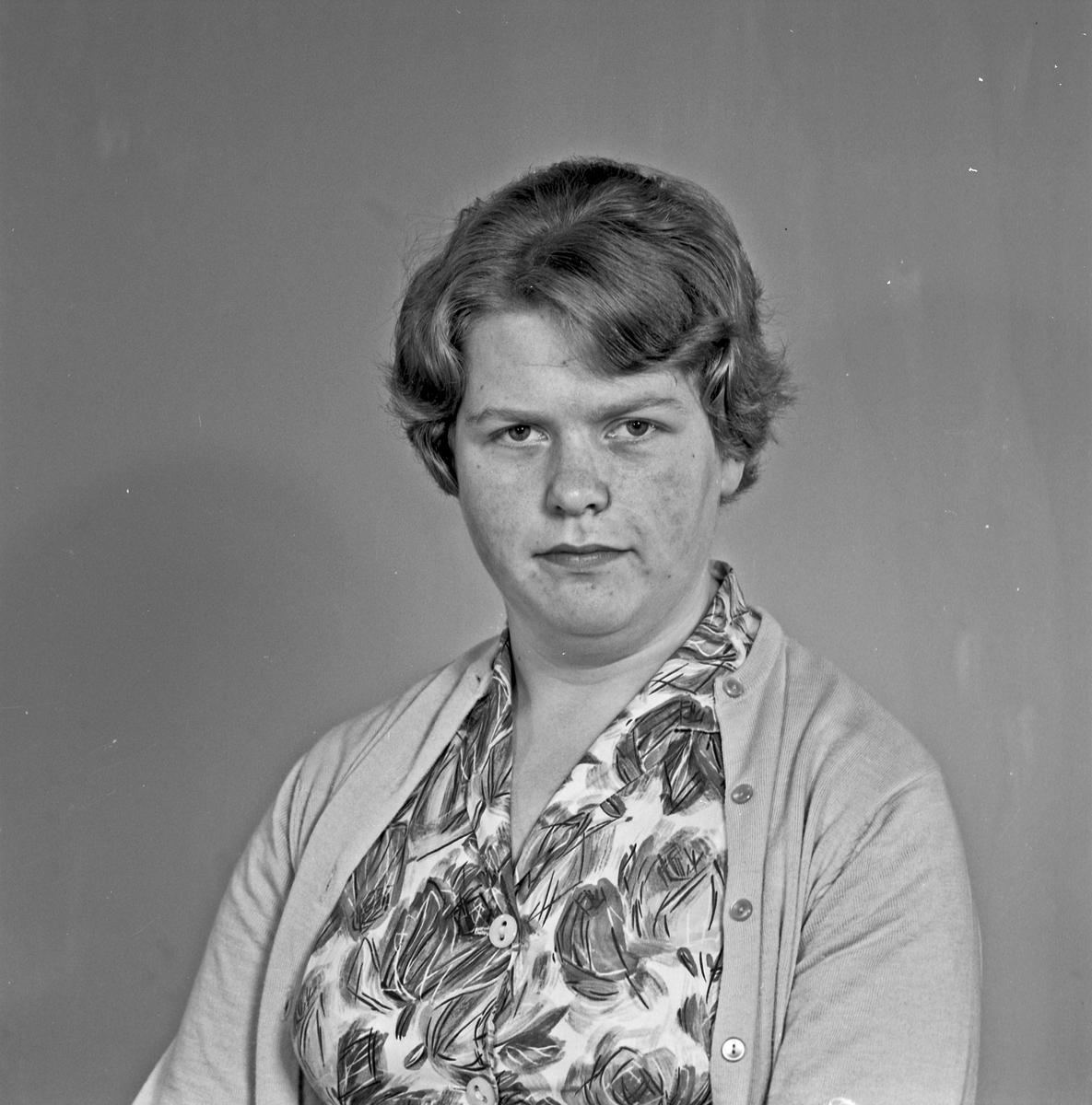 Portrett - ung kvinne - bestiller Dagrunn Ørke