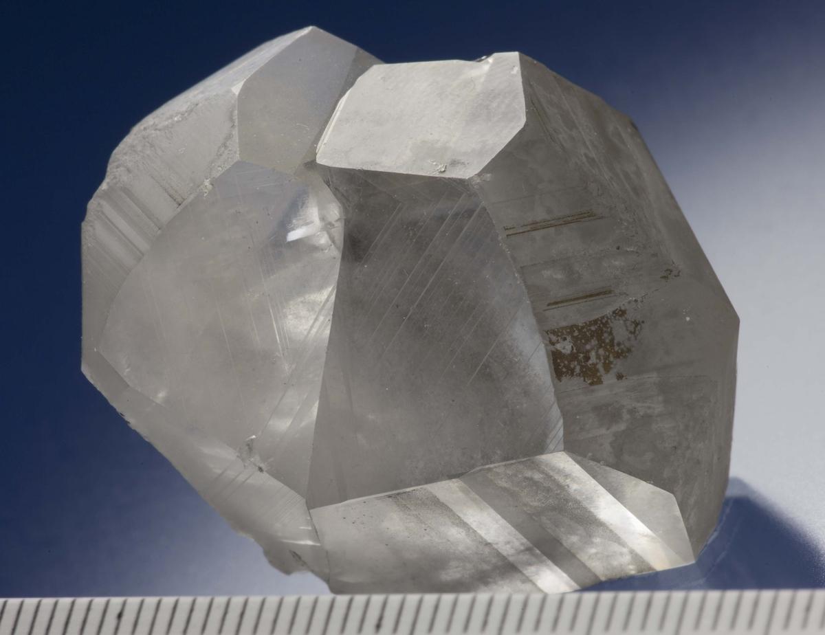 Singel tvillingkrystall, prisme, 127 grader