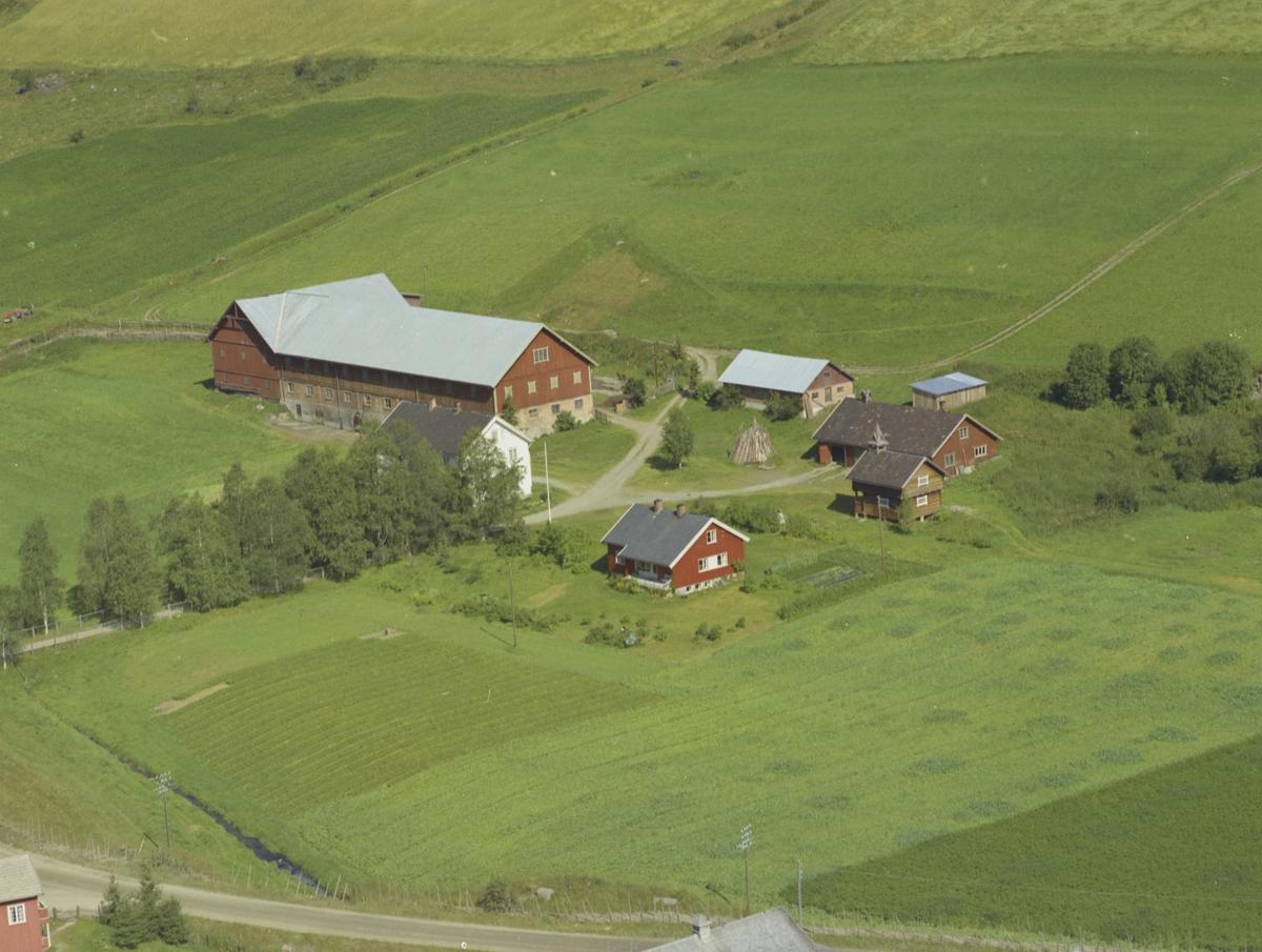 Brattland gård, stabbur med klokketårn, Bødal, Vestre Gausdal,