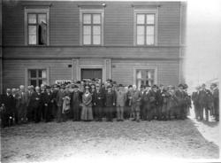 Utanför Rantens hotell, mosskultursmötet 1917.