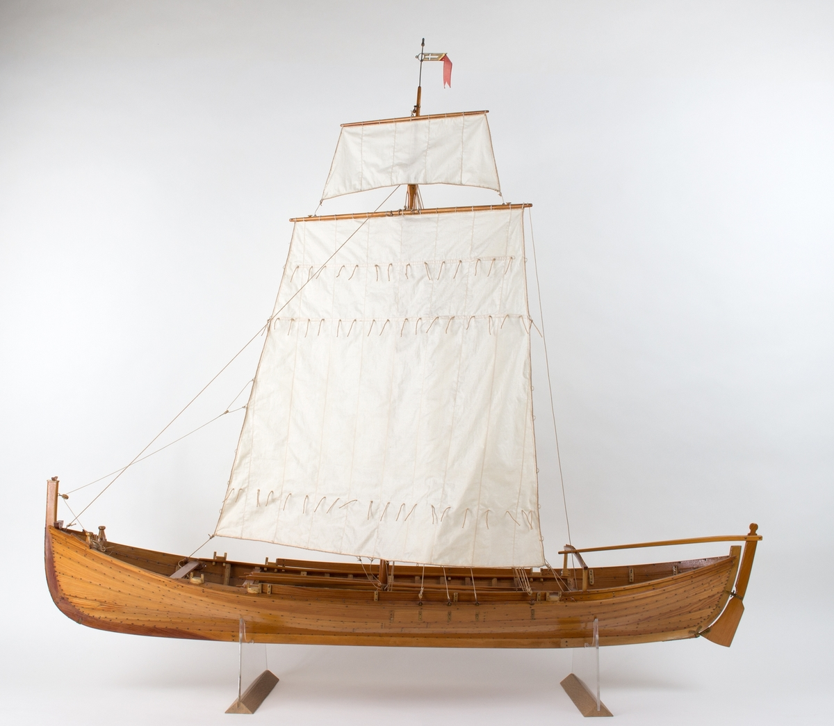 Modell av fembøring fra Birdal i Åfjord.