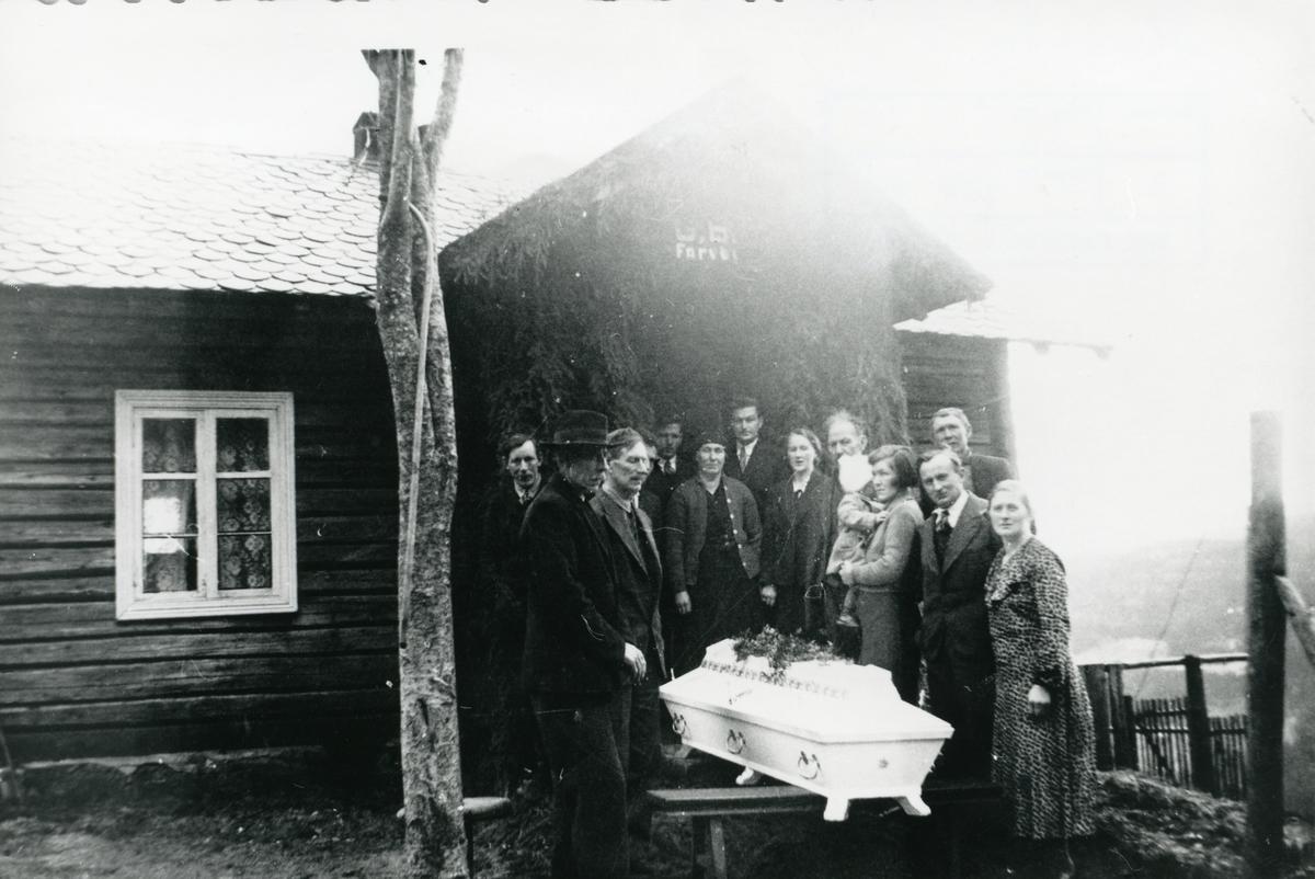 Gravferda til Gunhild Andersdotter , 1937.