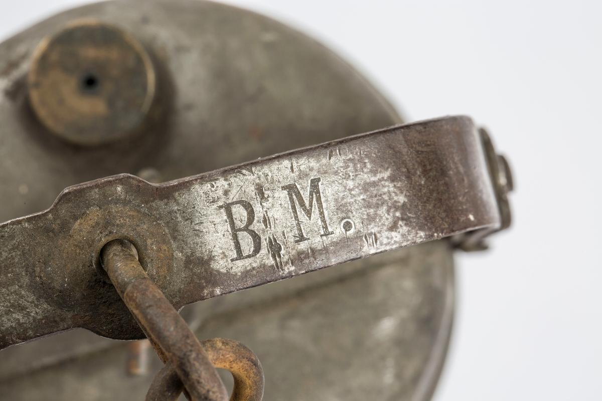 """MERKET """"B.M."""" PÅ BØYLEN.  SV."""