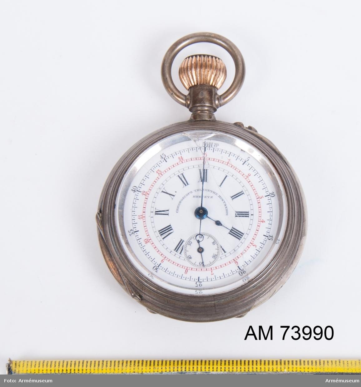 Grupp F.III.  Tersur från omkring 1900. Defekt. I ur. Glaset på urtavlan är sprucket.