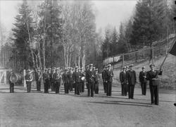 Løkken Musikkorps oppstilt til marsj.