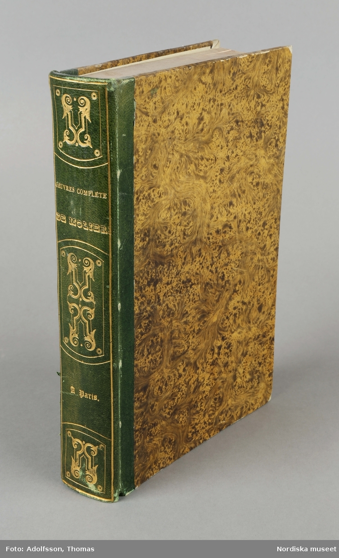 "Huvudliggaren: ""Bok. Tillhört Emelie Högqvist (Moliere). Ink. h. fröken C. Bergquist, Sthlm = 4 kr. 2/2 1900 Bil. 145. 1900."""