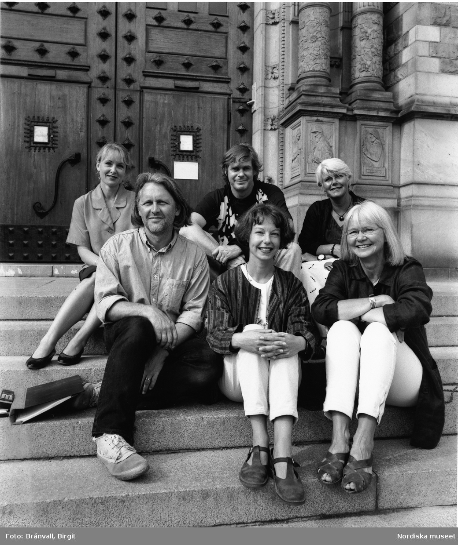 Gruppbild av personal på Nordiska museets utställningsavdelning.