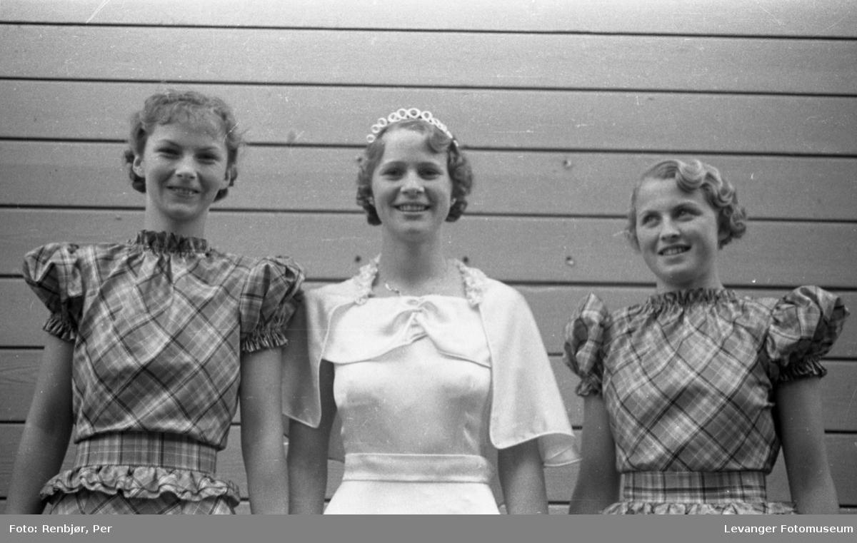 Kåring ,kroning av Nord-Trøndelags prinsessen under byjubileet i 1936.