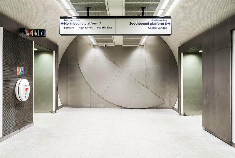 Knut Henrik Henriksen, Full circle, 2009 Permanent artwork at King's Cross St Pancras Underground station, London (UK). Courtesy of the artist and Art on the Underground. (Foto/Photo)