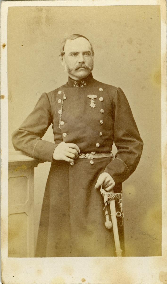Porträtt av Carl Wathier Klingspor, kapten vid Närkes regemente.