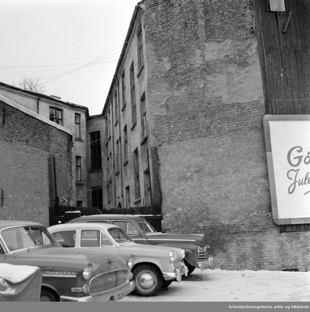 Maridalsveien 12. Et farlig hjørne. Desember 1961
