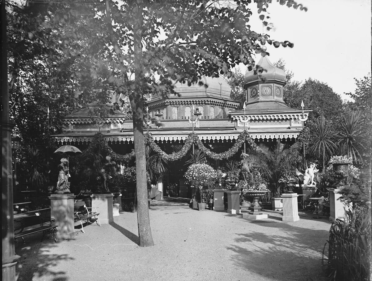 Troligtvis Värdshuset Gubbhyllan, strax intill Hasselbacken, fotograferat 1892.