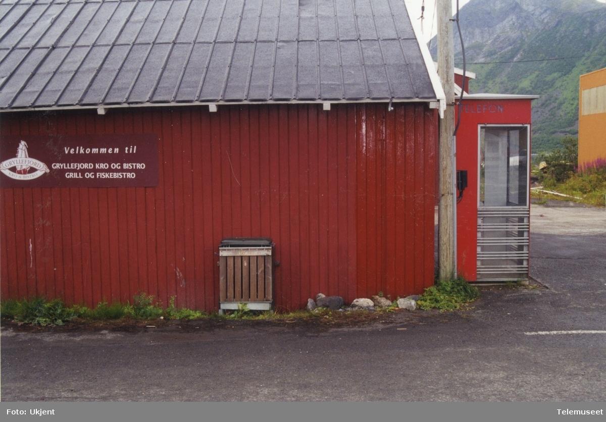 Telefonkiosk i Gryllefjord