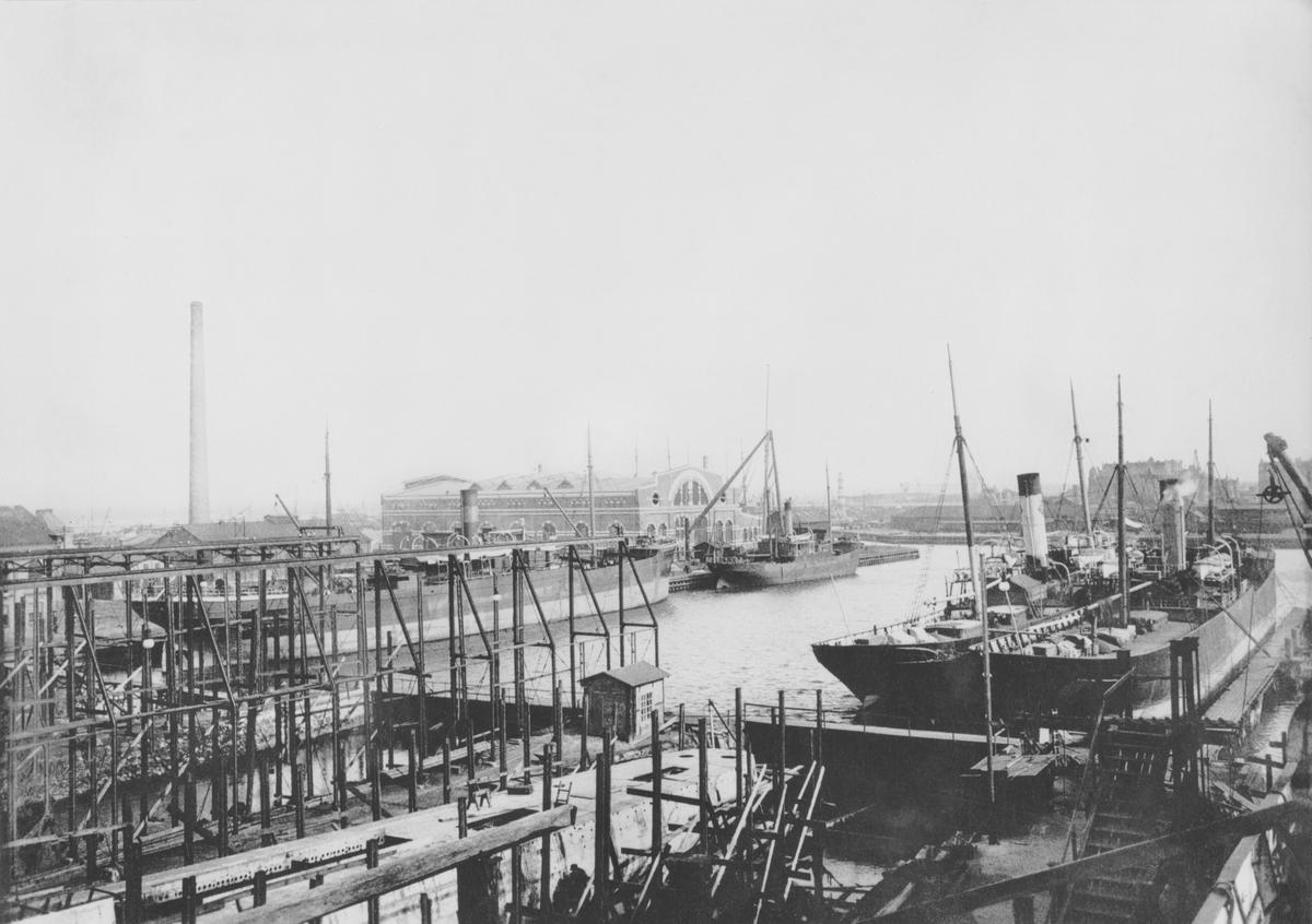 Kockums mekaniska verkstad, Malmö. Utsikt över varvet 1910