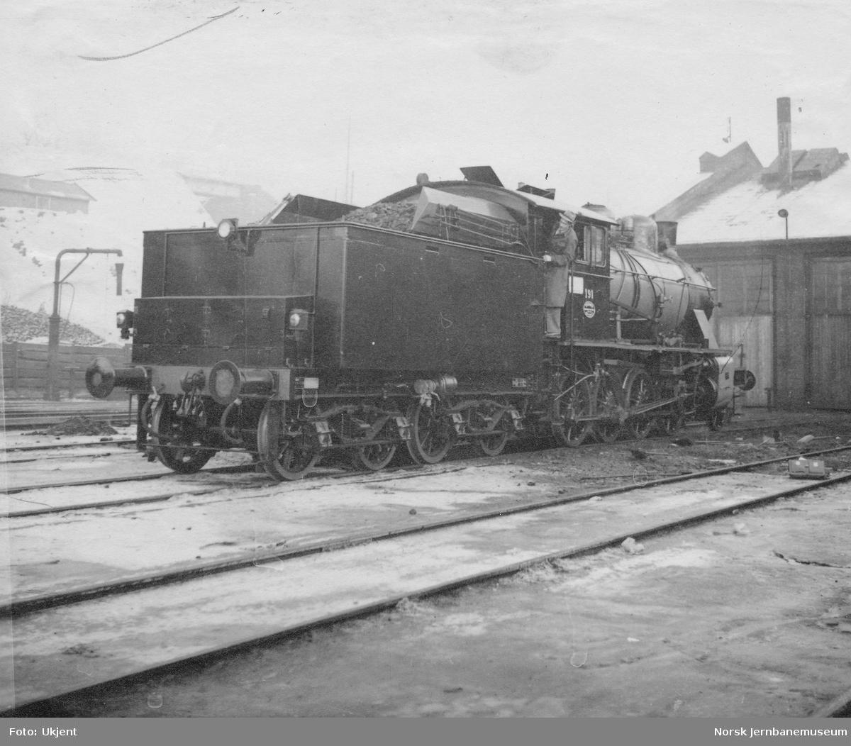 Damplokomotiv type 22b nr. 191 etter ombygging av tendertanken
