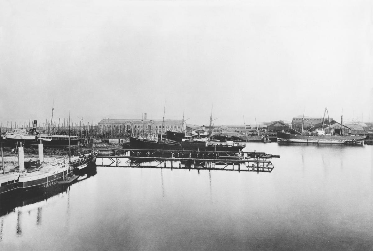 Kockums mekaniska verkstad, utsikt över varvet i slutet av 1880-talet.