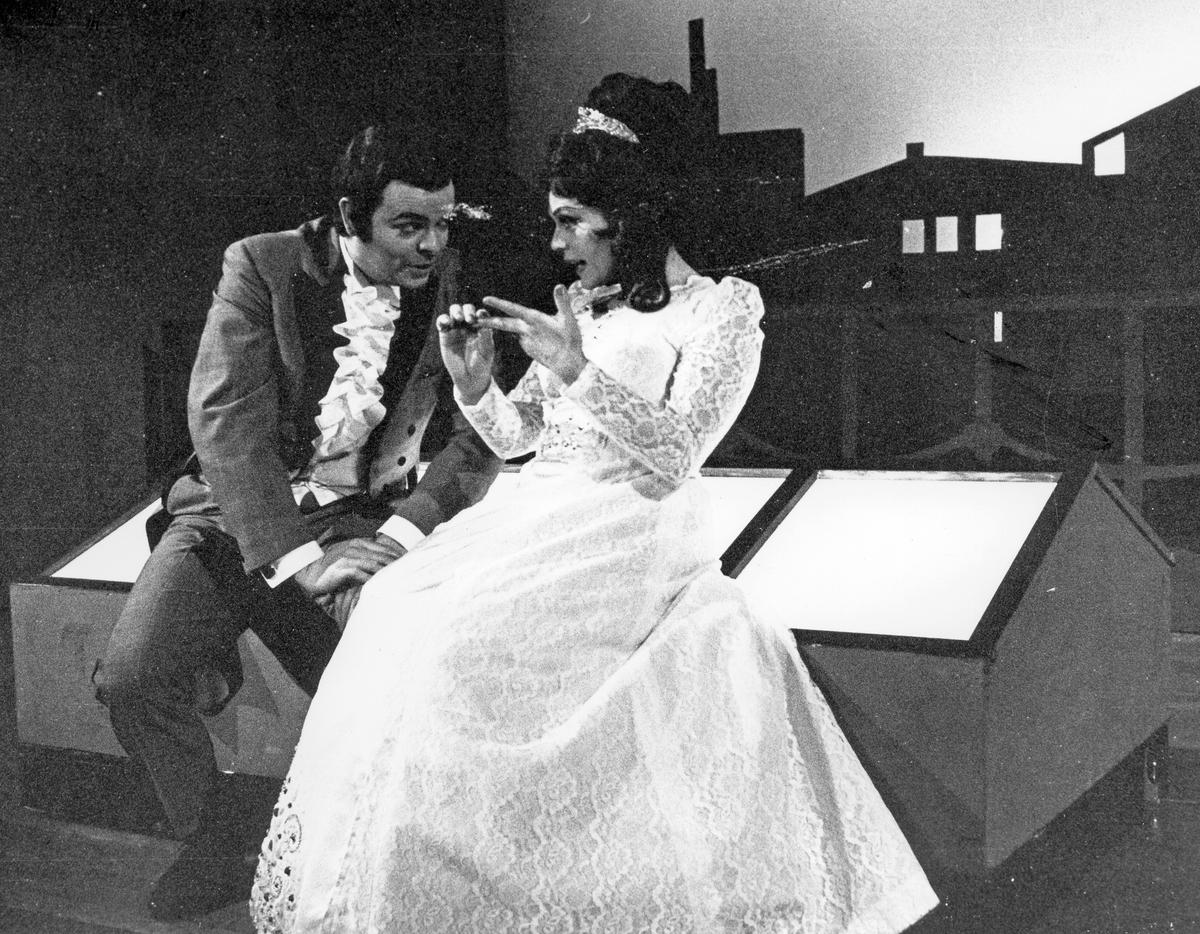 Undehållning. Kvinna och man, Gefle Lyriska Teater