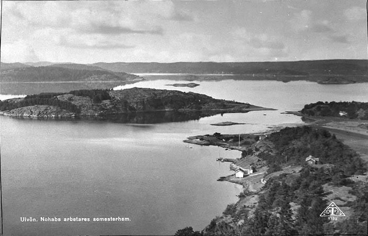 """Enligt Bengt Lundins noteringar: """"Ulvesund. Ulvön från bergen. Vykort TF 3398 BL 1233""""."""