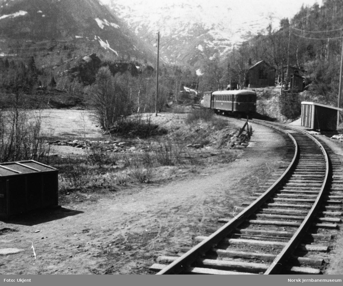 Sulitjelmabanens motorvogn SULITELMA, ved Sjønstådalen holdeplass