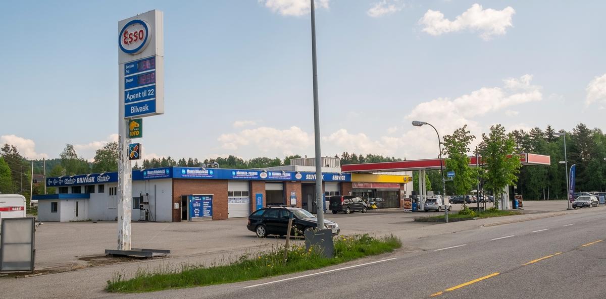 Esso bensinstasjon Stensetgutua Maura Nannestad