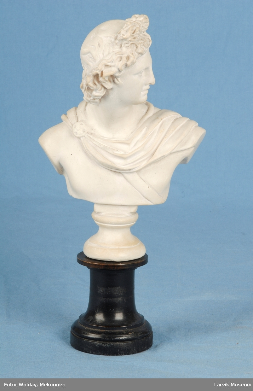 Byste av den greske guden Apollo.
