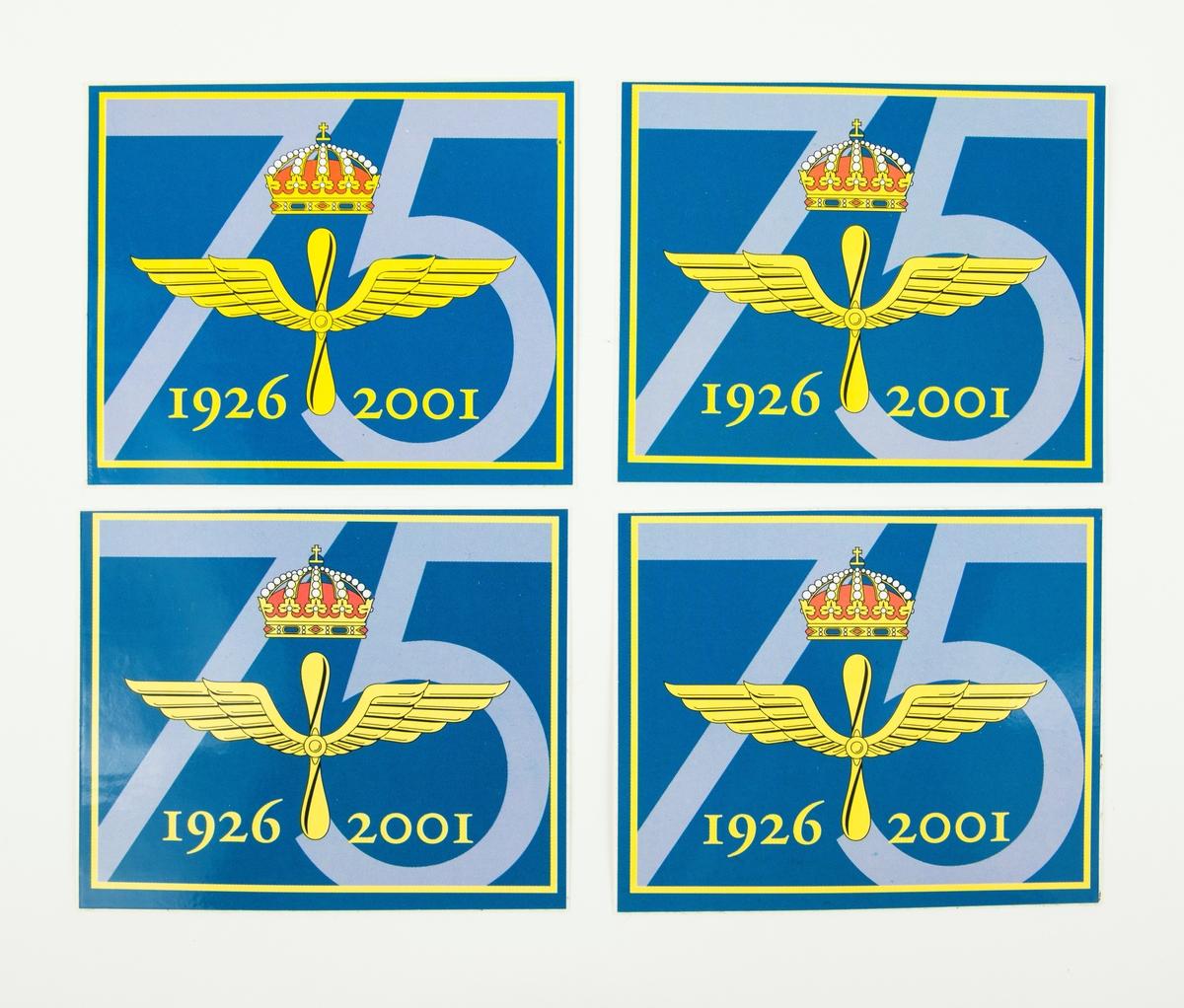 Dekal från flygvapnets 75-års jubileum. På dekalen flygvapnets emblem och årtalen 1926-2001, i bakgrunden 75.