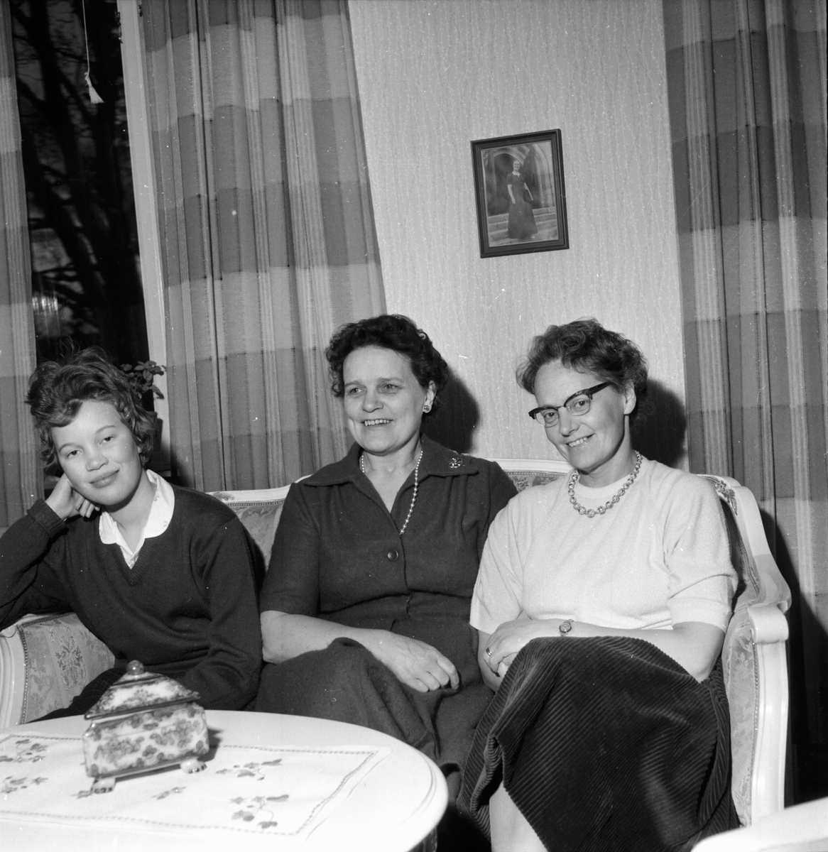 Kantor E. Nilsson, kyrkvärd Margit. Hälsingmo 10/1 1960