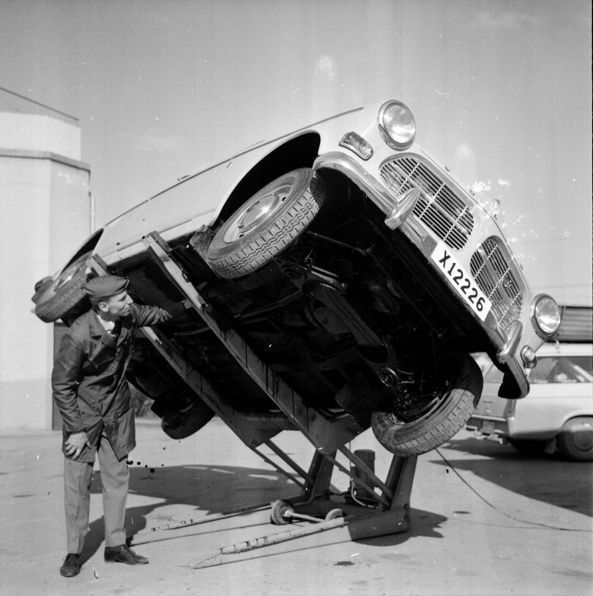 Nynäs bensin, Brygga för underredsbehandling 10 April 1965