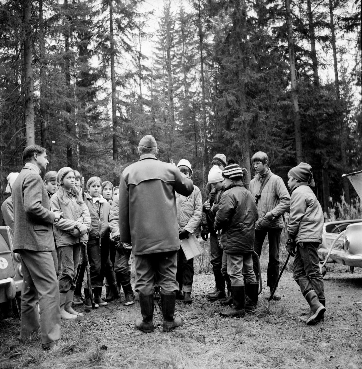 Arbrå, Scouterna på väg till Söröms, Okt. 1969