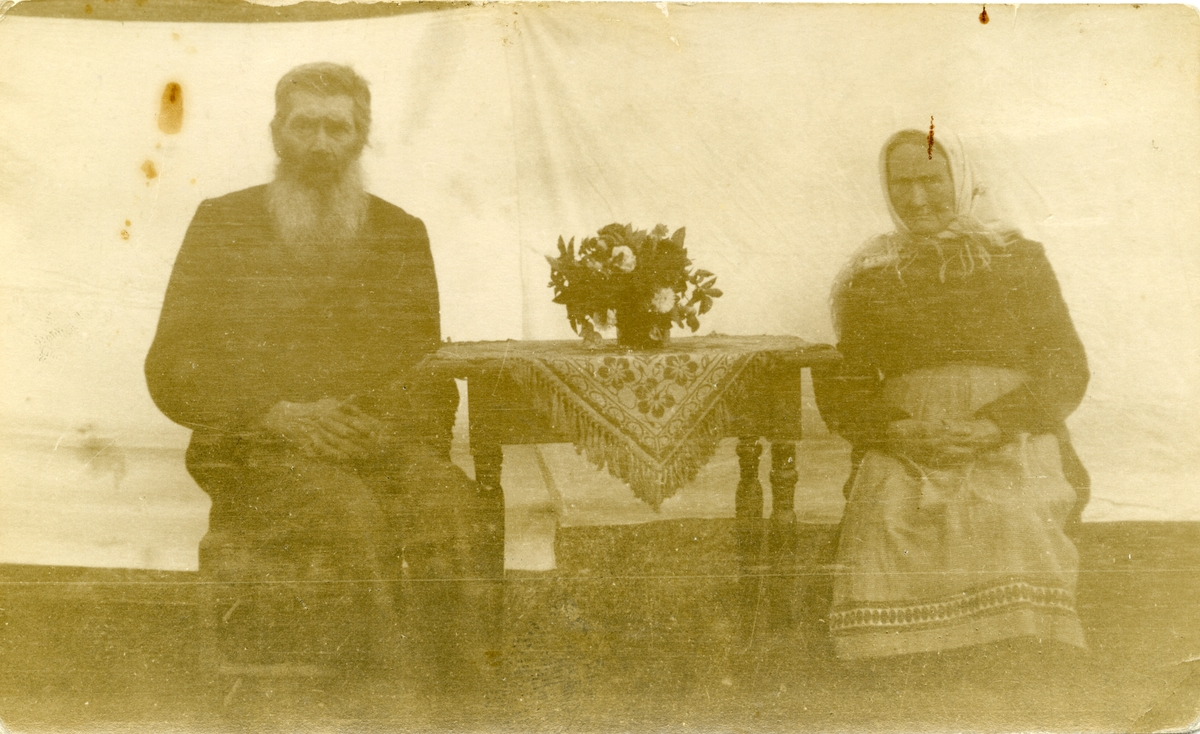 Knut Slettebråten med kone, Hedalen.