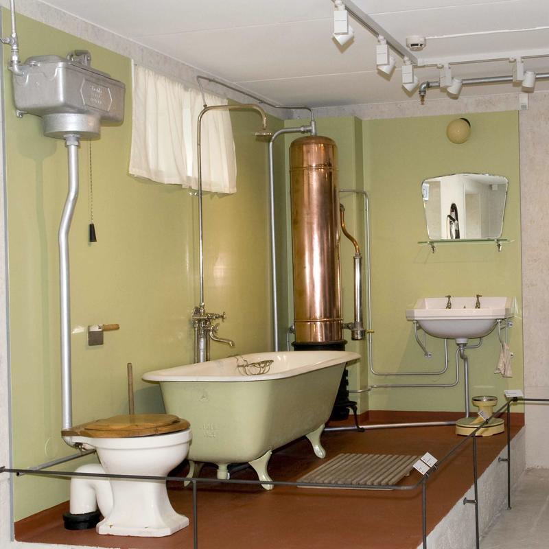Badekar og varmtvannsbereder