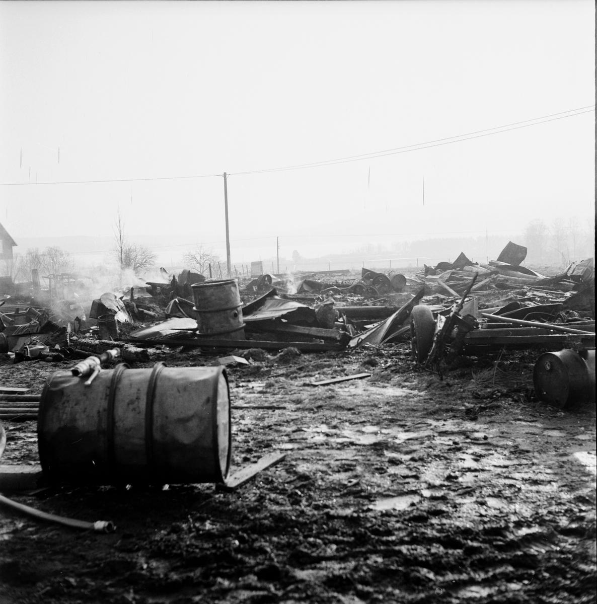 Kurland efter branden, April 1972