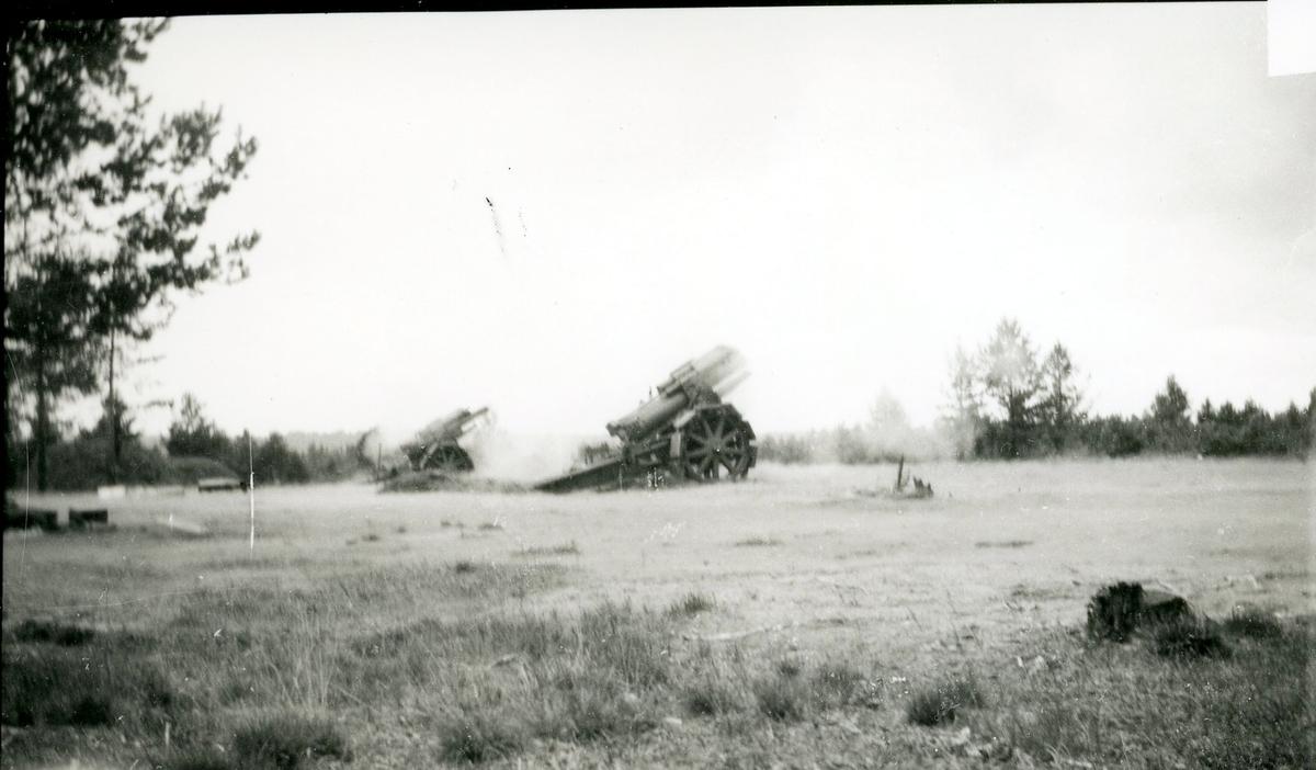Haubits m/1917. 21 cm. Eldgivning.