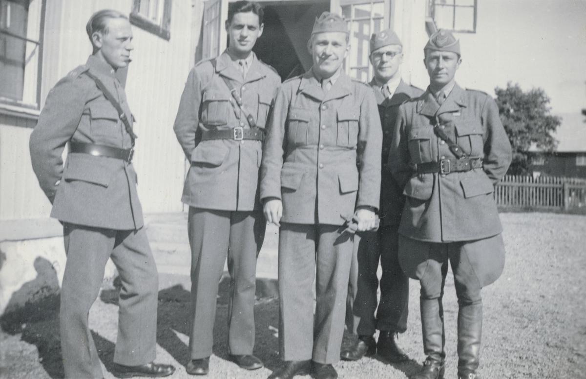 Gruppbild med officerare från Södermanlands regemente I 10.