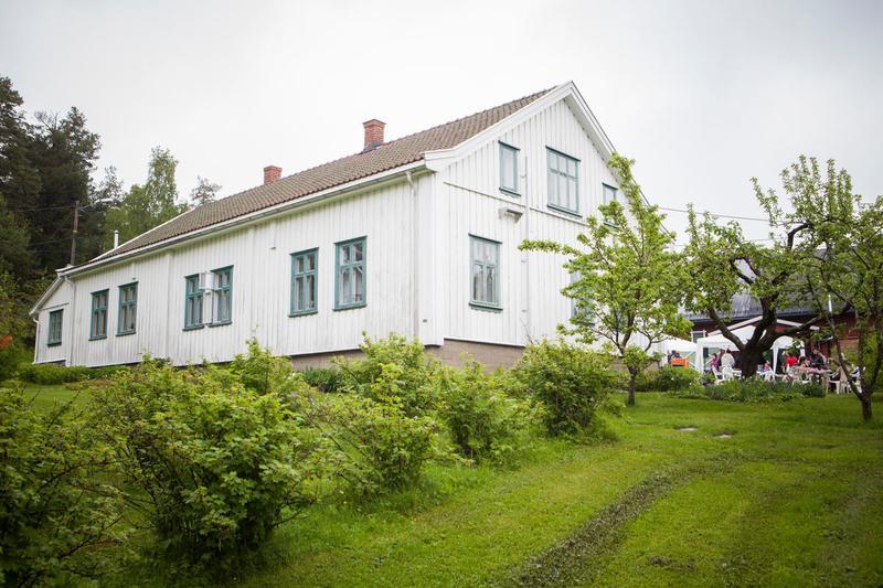 Om sommeren kan også hagen benyttes i forbindelse med leie av lokalene (Foto/Photo)