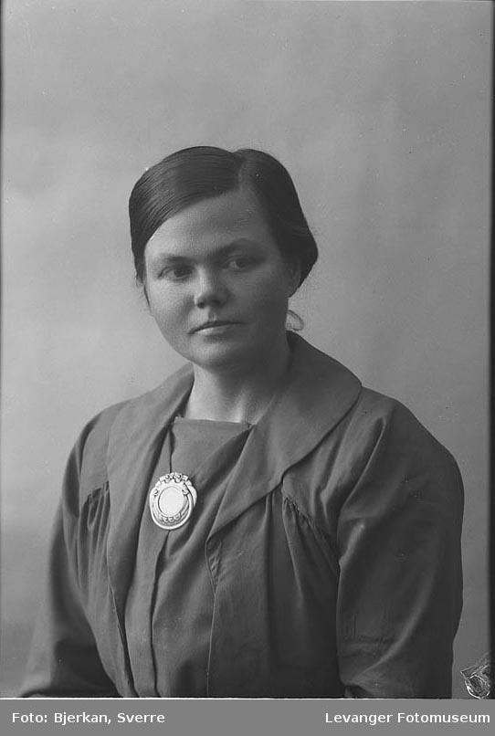 Portrett av Ås fornavn ukjent.