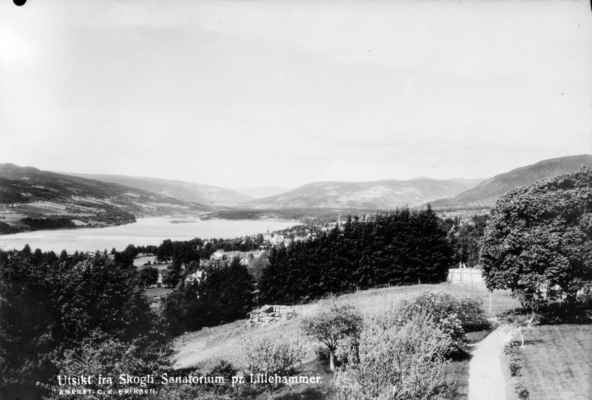 Utsikt fra Skogli sanatorium mot Lillehammer, Lågendeltaet og Gausdal.