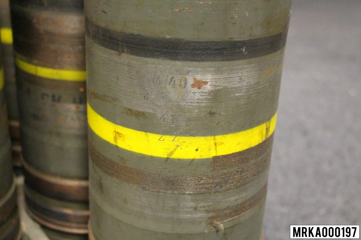 15,2 cm laddövningsprojektil m/40 20 st i varje förpackning (pall). Färgmärkning svart och gult band.