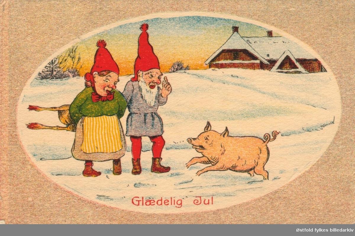 Julekort. Tegning. Vinterlandskap med nissepar og gris, Kalkun bak ryggen? Poststempla 1921.