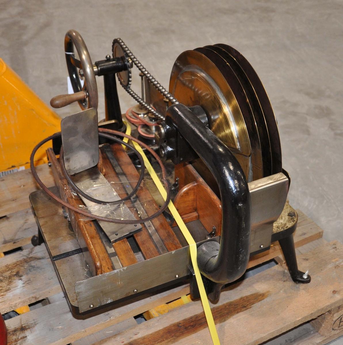 Bremstemplingsmaskin, hånddrevet