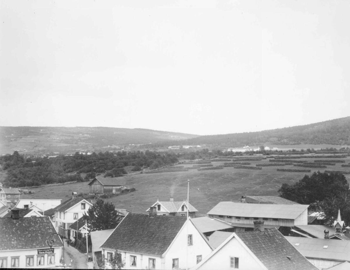 Lysgårdsjordet på Lillehammer i 1890-årene.