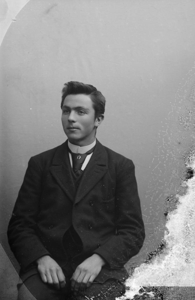 Portrett av Knut Kjorstad