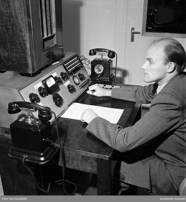 Radioprogrammet Loffe & Co spelas in med musiker av olika slag.