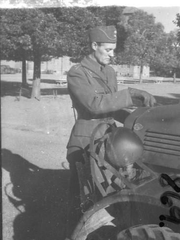 Rödin, sergeant, A 6.